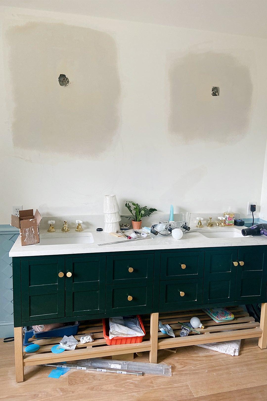 bethroom vanity before