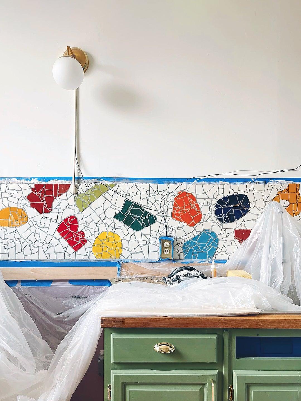 mosaic backspals hon the wall