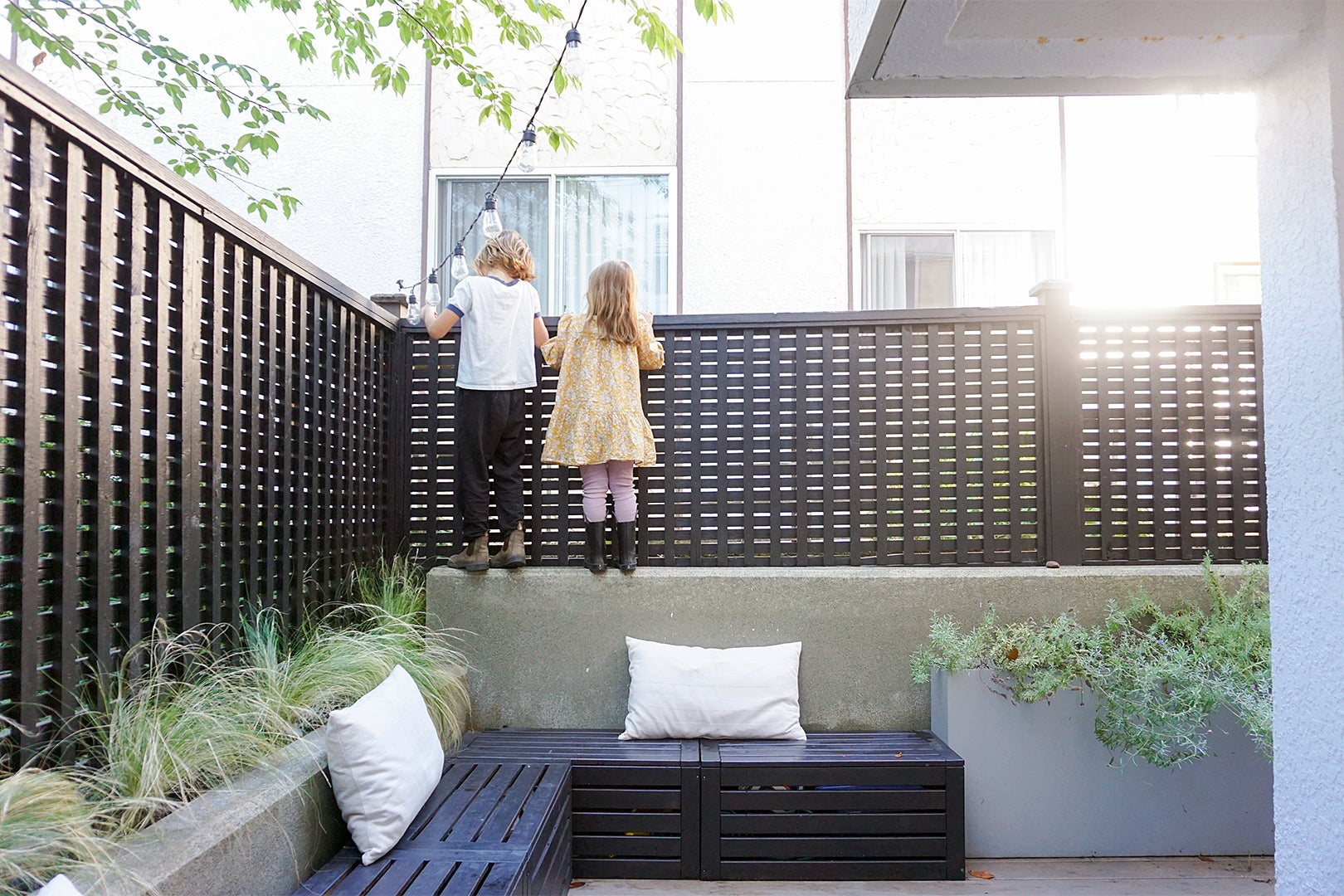 How a Vancouver Family of 4 Functions in a 900-Square-Foot, One-Bedroom Condo