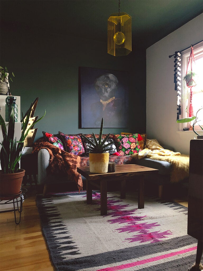 Black Walls Don't Have to Feel Goth—Just Ask This Ottawa Homeowner