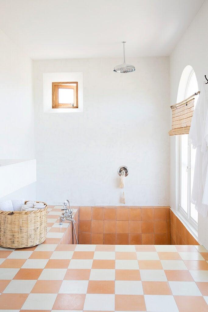 tiled step down tub-shower