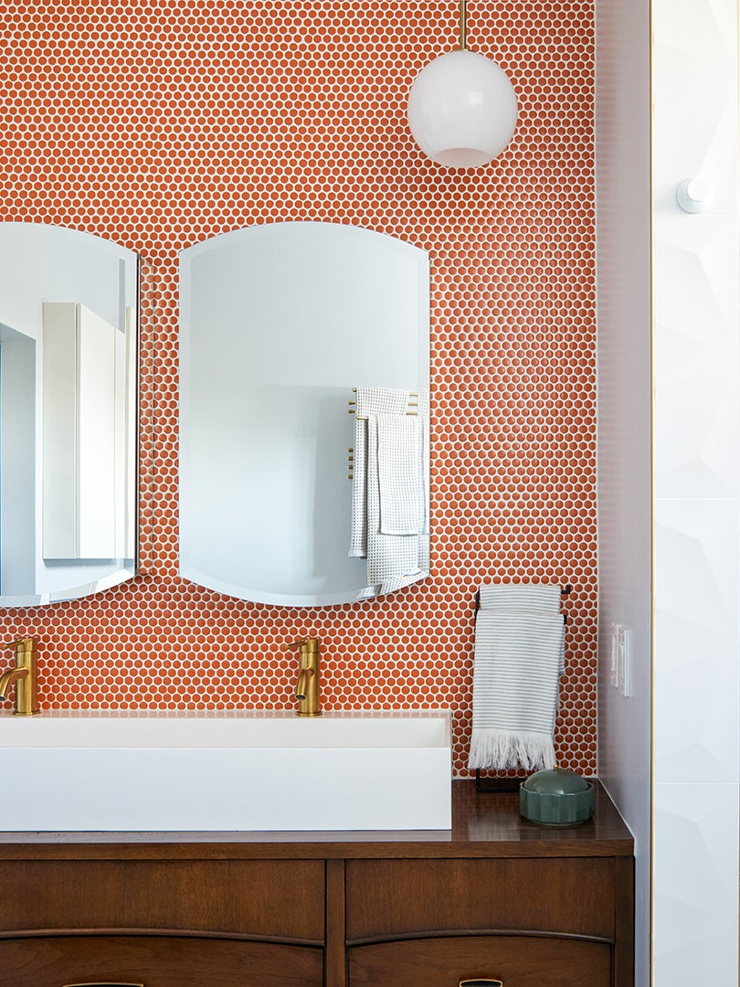 orange los angeles bathroom
